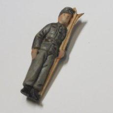 Militaria: FIGURA DE PORCELANA PATRIÓTICA DE ALEMANIA. SEGUNDA GUERRA MUNDIAL TOTALMENTE ORIGINAL. Lote 221773047