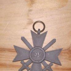 Militaria: MEDALLA ALEMANA CRUZ DE MALTA. ESPADAS. 1939. ORIGINAL. VER FOTOS.. Lote 233135420