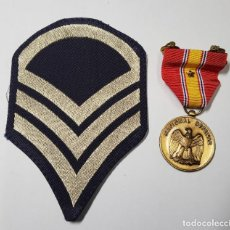 Militaria: MEDALLA Y DISTINTIVO DEL EJERCITO DE ESTADOS UNIDOS.2ª GUERRA MUNDIAL. Lote 252660790