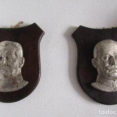 Militaria: PLACAS INSTITUCIONALES EN HIERRO CON ROSTROS DE HINDENBURG Y LUDENDORFF III REICH ALEMÁN AÑO 1934. Lote 274257578