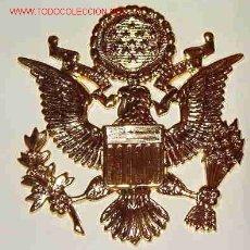 Militaria: DISTINTIVO DE GORRA DE OFICIAL. Lote 3308865