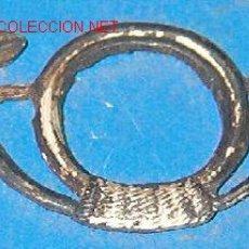 Militaria: INSIGNIA DE CUELLO, CAZADORES. Lote 4413951