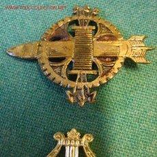 Militaria: LOTE DE 2 INSIGNIAS. Lote 2643339