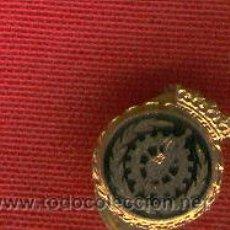Militaria: LOTE DE 10 INSIGNIAS SOLAPA INGENIERO TEXTIL ANTIGUA. Lote 27864812