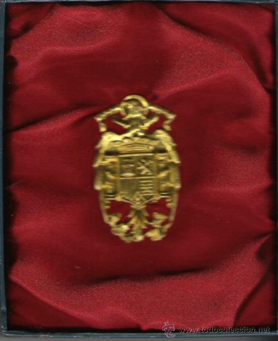 INSIGNIA AGUILA DE LA POLICIA ARMADA EPOCA FRANCO (Militar - Insignias Militares Españolas y Pins)
