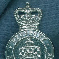 Militaria: REINO UNIDO. INSIGNIA DE GORRA DE POLICÍA. DENSBURY BOROUGH POLICE.. Lote 14138799