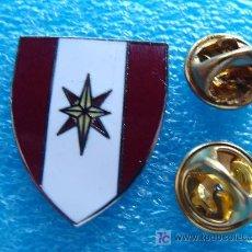 Militaria: INSIGNIA MILITAR. DOBLE PIN. US ARMY. 44TH ARMY MEDIC. BRIGADA MÉDICA DE LOS ESTADOS UNIDOS.. Lote 255936560