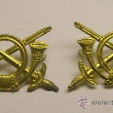 Militaria: PAR DE INSIGNIAS DE INFANTERIA DE LA GUERRA CIVIL, PARA CUELLO O GORRA. ORIGINALES.. Lote 226056540