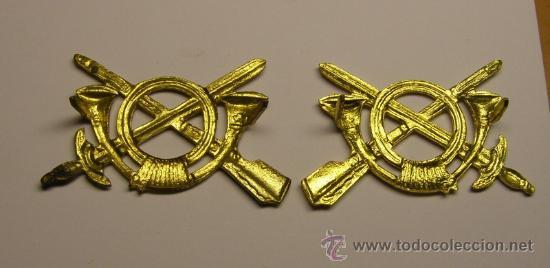 Militaria: Par de insignias de infanteria de la Guerra Civil, para cuello o gorra. Originales. - Foto 2 - 147766797