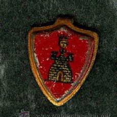 Militaria: PIN INSIGNIA CON ESCUDO Y TORRE (VER FOTO ADIC, EMBLEMAS Y SELLOS GUERRA CIVIL). Lote 28608590