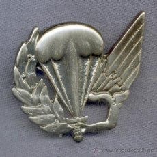 Militaria: PORTUGAL. PARACAIDISTAS. INSIGNIA DE BOINA . 4º MODELO. . Lote 29200906
