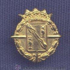 Militaria: INSIGNIA DE SOLAPA. ESCUDO DEL GENERALÍSIMO FRANCO. 20 MM.. Lote 31524554