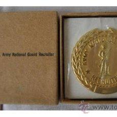 Militaria: INSIGNIA OFICIAL DE LA GUARDIA NACIONAL DE RECLUTAMIENTO (EEUU). EN SU CAJA DE ORIGEN. NUEVA. Lote 32776107