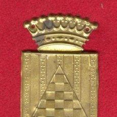 Militaria: EMBLEMA METALICO DEL CUERPO EJERCITO DE URGEL, FINAL GUERRA CIVIL ESPAÑOLA 1939, INICIOS AÑOS 40.. Lote 35234189