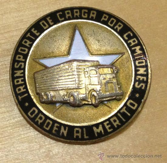 EJERCITO CUBANO. ORDEN AL MERITO. TRANSPORTE DE CARGA POR CAMIONES. 27MM. MUY RARA (Militar - Insignias Militares Internacionales y Pins)