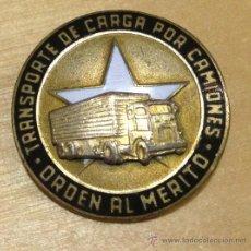 Militaria: EJERCITO CUBANO. ORDEN AL MERITO. TRANSPORTE DE CARGA POR CAMIONES. 27MM. MUY RARA. Lote 36098729