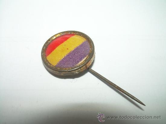 ANTIGUA INSIGNIA.....BANDERA REPUBLICANA...AÑOS 20 (Militar - Insignias Militares Españolas y Pins)