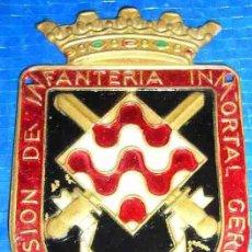Militaria: LOTE 9 INSIGNIAS DE BRAZO 41 DIVISION DE INFANTERIA INMORTAL GERONA + ALGUNA COSA DE REGALO. Lote 36685281