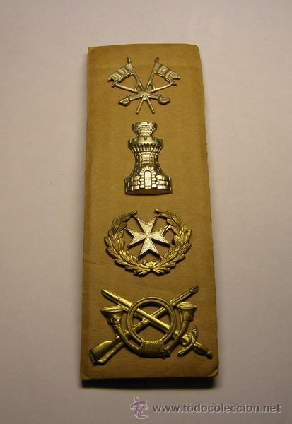 LOTE DE 4 INSIGNIAS DE SOLAPA O DE GORRA REPUBLICANAS. GUERRA CIVIL. (Militar - Insignias Militares Españolas y Pins)