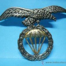 Militaria: INSIGNIA MILITAR - EJERCITO - BRIGADA PARACAIDISTAS - AGUILA PARACAIDAS LAUREL - . Lote 38758059
