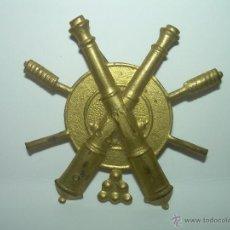 Militaria: ANTIGUA INSIGNIA DE LATON.. Lote 39631805