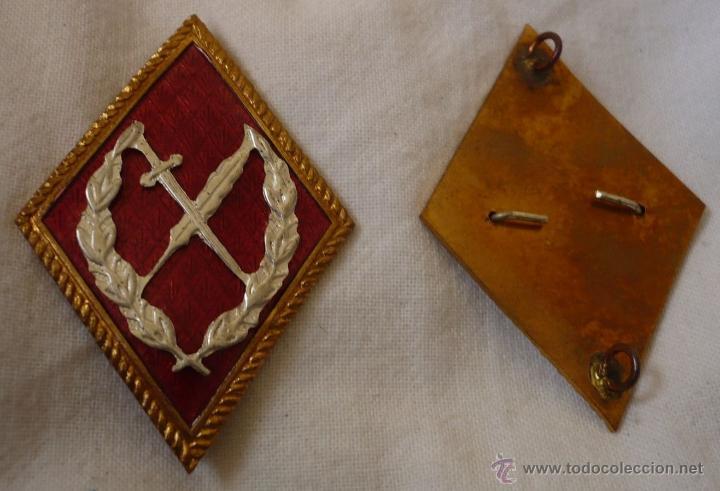 Militaria: Pareja de Rombos rojos de Oficinas Militares tipo grapa. Rombo Insignia de cuello metálico - Foto 3 - 40912676