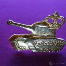 Militaria: ANTIGUO PIN - TANQUE Y CORONA - RARO PIN SIN DETERMINAR -. Lote 41329620