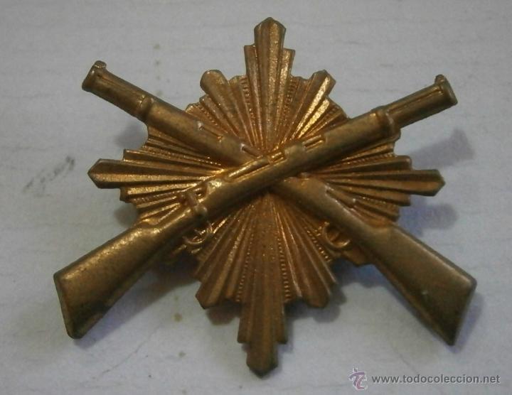 INSIGNIA CARABINEROS (Militar - Insignias Militares Españolas y Pins)