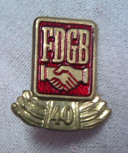 Militaria: LOTE INSIGNIAS FDGB FREIE DEUTSCHE GEWERKSCHAFTS BUND CONDECORACION HONOR 25 Y 40 AÑOS ALEMANIA DDR - Foto 3 - 43083155