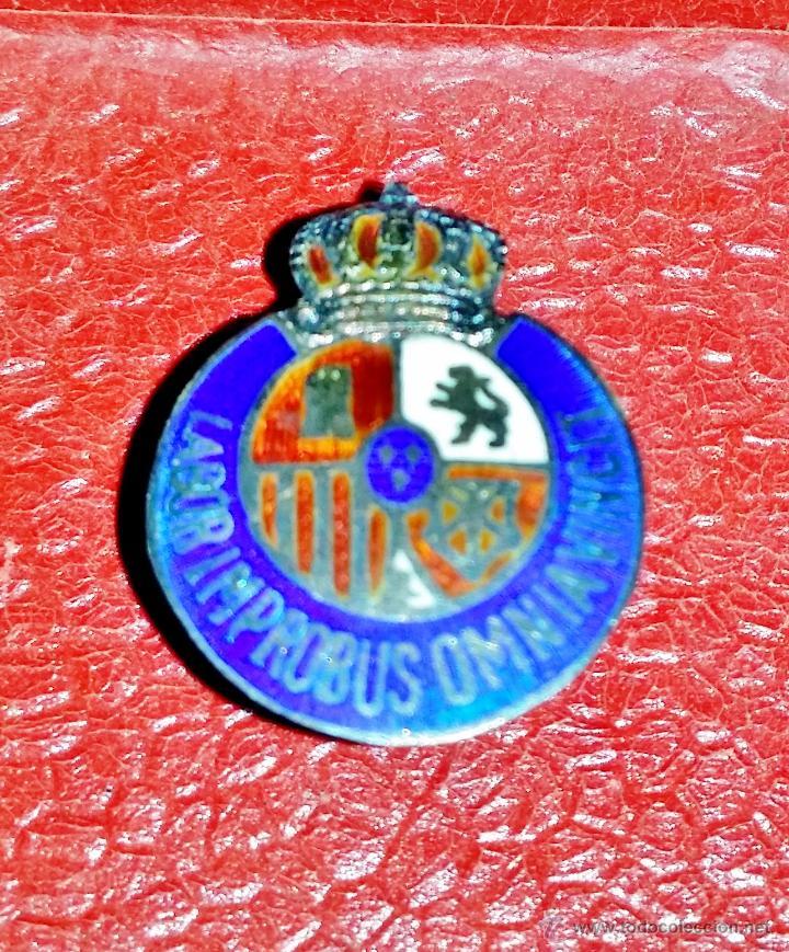 INSIGNIA DE SOLAPA EPOCA DE ALFONSO XIII GRAN CALIDAD DE ESMALTES (Militar - Insignias Militares Españolas y Pins)
