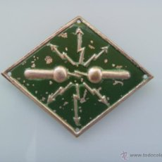 Militaria: EMBLEMA ESPECIALIDAD TRANSMISIONES , TELEGRAFIA ELECTRICA , TROPA . FONDO VERDE. Lote 43850879