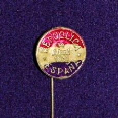 Militaria: INSIGNIA DE ALFILER REPUBLICANA TRICOLOR. REPUBLICA ESPAÑOLA 14 ABRIL 1931. ORIGINAL DE EPOCA. Lote 45228654