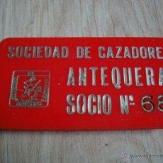 Militaria: PLACA METRAQUILATO SOCIEDAD DE CAZADORES DE ANTEQUERA, SOCIO Nº 68, 8 X 4 CM. Lote 45642930