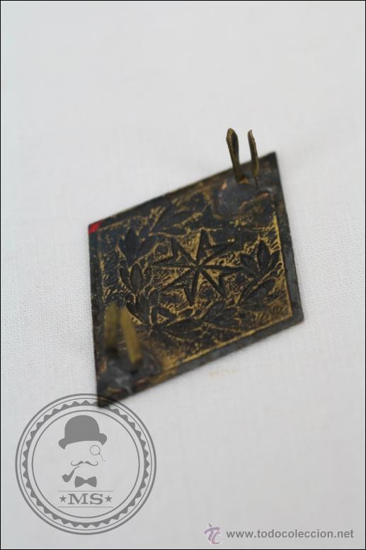 Militaria: Insignia Rombo del Ejército Español - Emblema de Sanidad Militar - Medidas 5 x 3,5 Cm - Foto 2 - 46293236