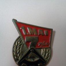 Militaria: INSIGNIA ALEMAN-DDR. 1. MAI 1960, 100% ORIGINAL DE LA EPOCA. Lote 48418618