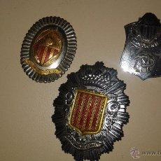 Militaria: LOTE 3 PLACAS POLICIA MUNICIPAL SABADELL Y GENERICA. Lote 181173217