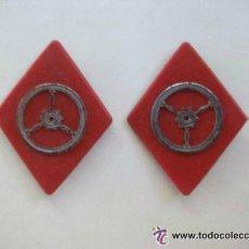 Militaria: PAREJA DE ROMBOS DE CUELLO DE CONDUCTOR . EPOCA DE FRANCO. Lote 48505179