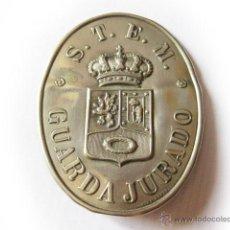 Militaria: CHAPA TROQUELADA DE GUARDA JURADO DE LA SOCIEDAD DE TRANVIAS DEL ESTE DE MADRID. ARTURO DE HUETE. Lote 48960933