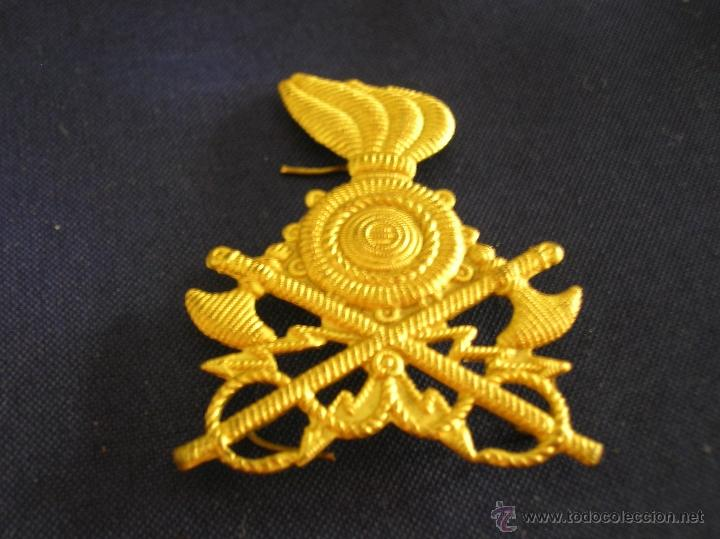 DISTINTIVO ITALIANO DE INGENIEROS PARA GORRA O BOINA. (Militar - Insignias Militares Extranjeras y Pins)