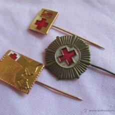 Militaria: 3 PINS ALFILER DE LA CRUZ ROJA MOTRICO. Lote 51965150