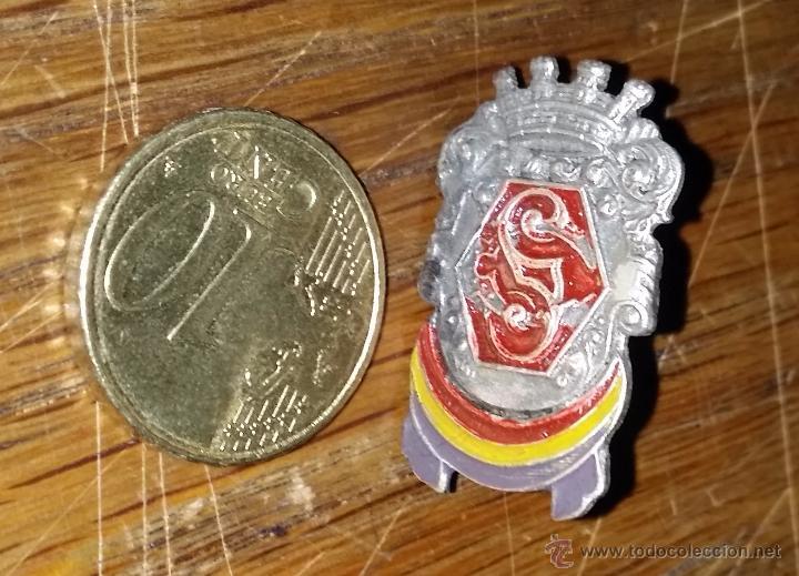 Militaria: DISTINTIVO DEL CUERPO DE SEGURIDAD Y GUARDIA DE ASALTO PARA GORRILLO - Foto 2 - 130890629