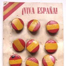Militaria: BLISTER DE 12 GEMELOS CON LA BANDERA NACIONAL ESPAÑOLA GUERRA CIVIL ORIGINALES ESPAÑA. Lote 54203758