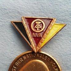 Militaria: DISTINTIVO NVA. DDR. REPUBLICA DEMOCRATICA ALEMANA,. Lote 55704728