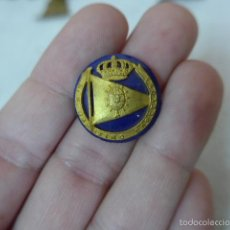 Militaria: ANTIGUA INSIGNIA DEL REAL CLUB MARITIMO DE BARCELONA, ALFONSO XIII. Lote 55712588