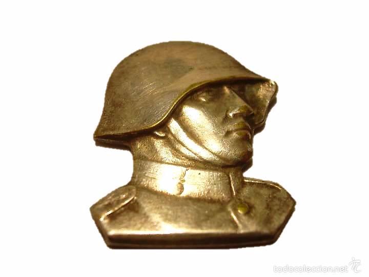 ANTIGUA Y RARA INSIGNIA DE BRONCE PLATEADO.....SOLDATEN WEIHNACHT...NAVIDAD 1.940 (Militar - Insignias Militares Internacionales y Pins)