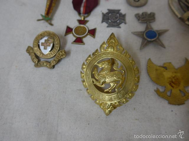 Militaria: Gran antiguo lote de 20 medallas y insignias extranjeras, variedad, hay de raras, medalla, insignia - Foto 5 - 57609837