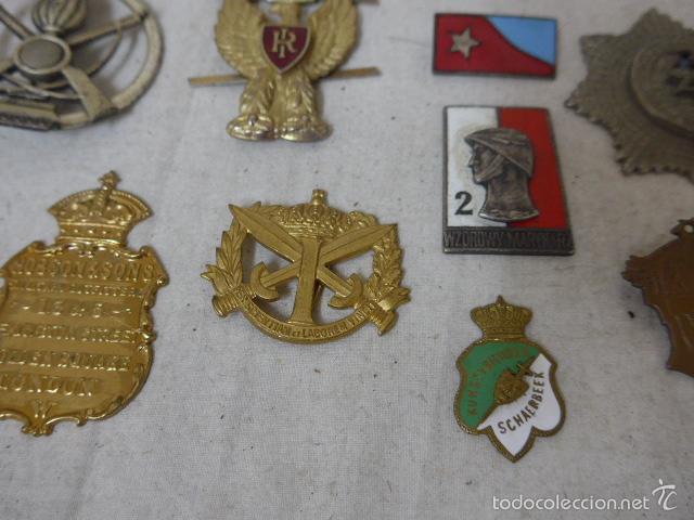 Militaria: Gran antiguo lote de 20 medallas y insignias extranjeras, variedad, hay de raras, medalla, insignia - Foto 7 - 57609837