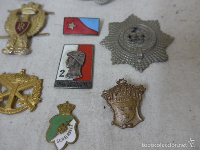 Militaria: Gran antiguo lote de 20 medallas y insignias extranjeras, variedad, hay de raras, medalla, insignia - Foto 8 - 57609837