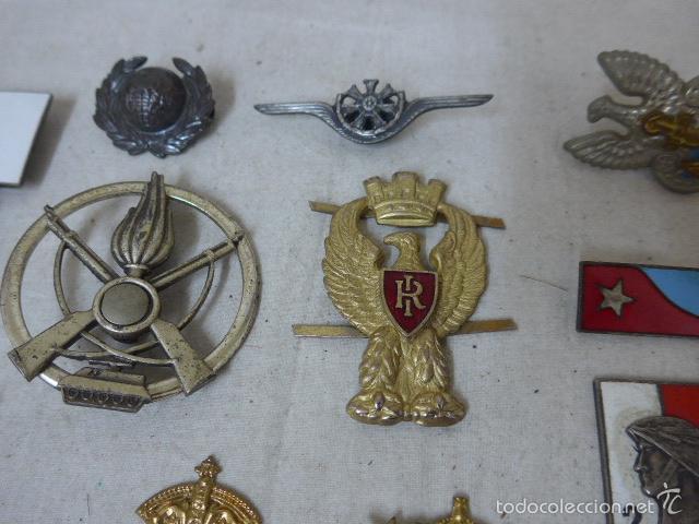 Militaria: Gran antiguo lote de 20 medallas y insignias extranjeras, variedad, hay de raras, medalla, insignia - Foto 10 - 57609837