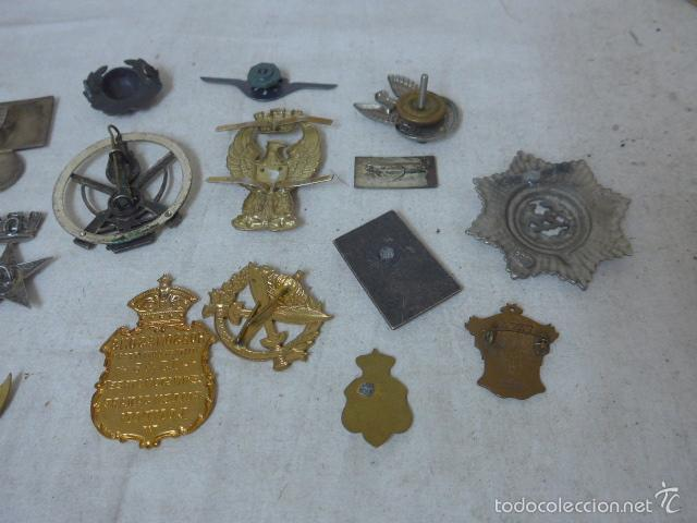 Militaria: Gran antiguo lote de 20 medallas y insignias extranjeras, variedad, hay de raras, medalla, insignia - Foto 11 - 57609837